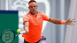 SHANGHAI, CHINA - OCTOBER 11:  Juan Martin Del Potro of Argentina returns a shot against David Goffin of Belgium during the Men's singles first round match on day three of Shanghai Rolex Masters at Qi Zhong Tennis Centre on October 11, 2016 in Shanghai, China.  (Photo by Lintao Zhang/Getty Images)
